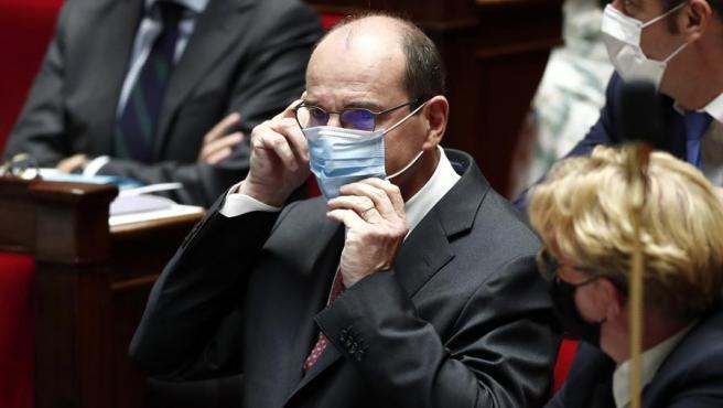 El primer ministro de Francia, Jean Castex, con mascarilla por el coronavirus, en la Asamblea Nacional, en París.