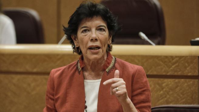 Foto recurso de la ministra de Educación y Formación Profesional, Isabel Celaá, durante su intervención en una sesión de control al Gobierno en el Senado, en Madrid (España) a 14 de julio de 2020.