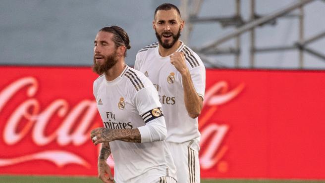 Karim Benzema celebra su gol ante el Villarreal
