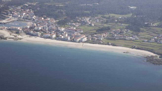 Zona de búsqueda de dos desaparecidos tras volcar un kayak en Porto do Son (A Coruña).