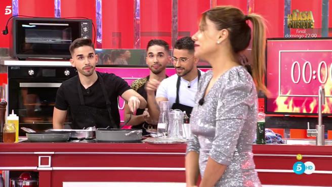 Hermanos Frigenti y Mónica Hoyos, en 'La última cena'.