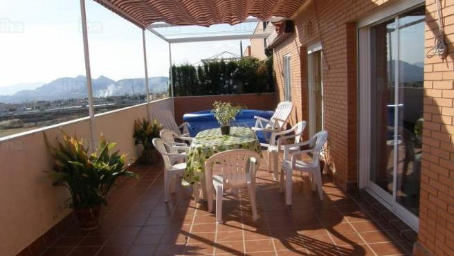 Piso con terraza en Granada.