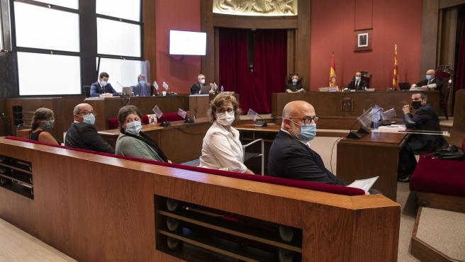 Acusados en el juicio de la Mesa del Parlament del 2017 en el TSJC, Lluís Corominas, Anna Simó, Ramona Barrufet, Lluís Guinó y Mireia Boya.
