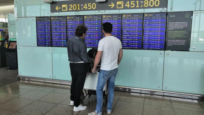 Pasajeros en el Aeropuerto de Barcelona-El Prat