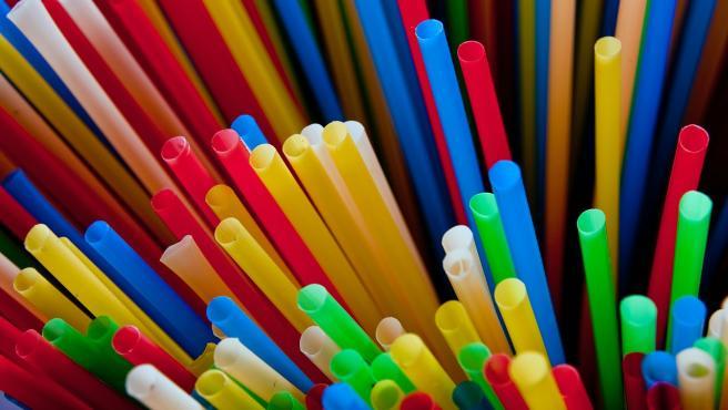 Pajitas de colores.