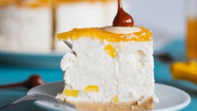 La tarta helada de mango es un postre muy refrescante.