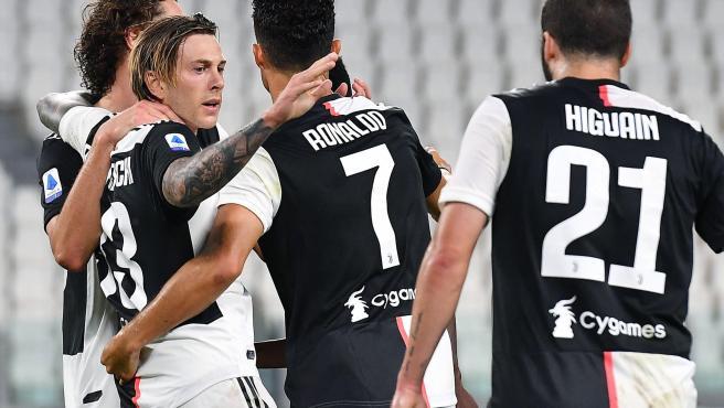 Los jugadores de la Juventus celebran un gol.