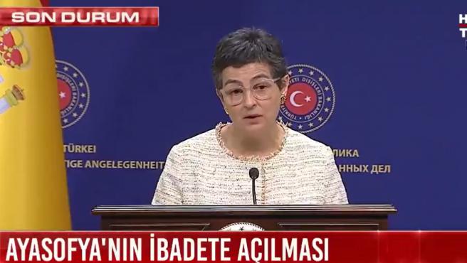 La ministra de Exteriores de España, Arancha González Laya, en una rueda de prensa conjunta con su homólogo turco Mevlüt Çavusoglu