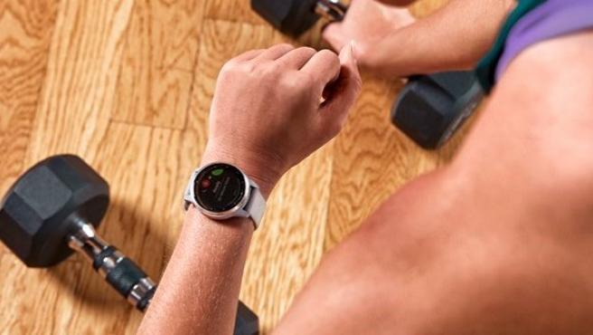 Garmin es una marca de GPS y wearables enfocada al registro de actividad deportiva.
