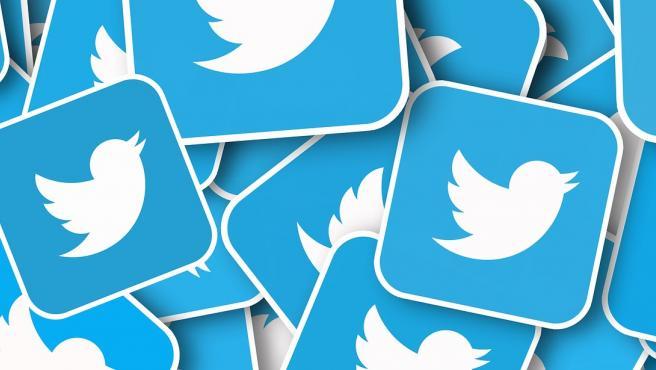 Twitter cuenta con unos 1.500 trabajadores que restablecen cuentas, revisan las infracciones de los usuarios y responden a posibles violaciones de contenido