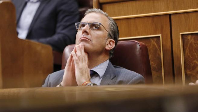Ortega Smith pide apoyos para la moción de censura y nombrar 'un gobierno de tra