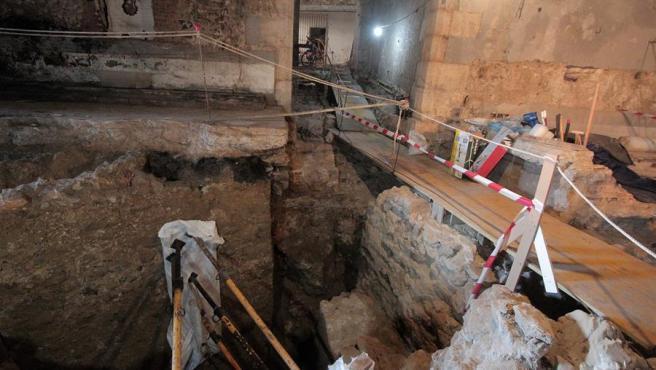 Unas excavaciones en Ceuta han dejado al descubierto una muralla y una torre romana de finales del siglo II.