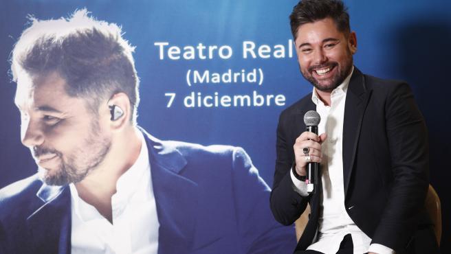El cantaor catalán Miguel Poveda lanzará el disco 'El tiempo pasa volando' el 30 de noviembre, con el que celebrará sus 30 años en la música.