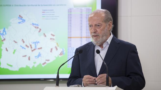 El presidente de la FAMP y de la Diputación de Sevilla, Fernando Rodríguez Villalobos, en una foto de archivo.
