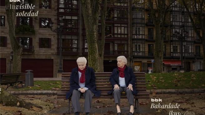 'Mercedes', imagen de la campaña 'Invisible Soledad' de BBK para concienciar de la soledad no deseada de los mayores