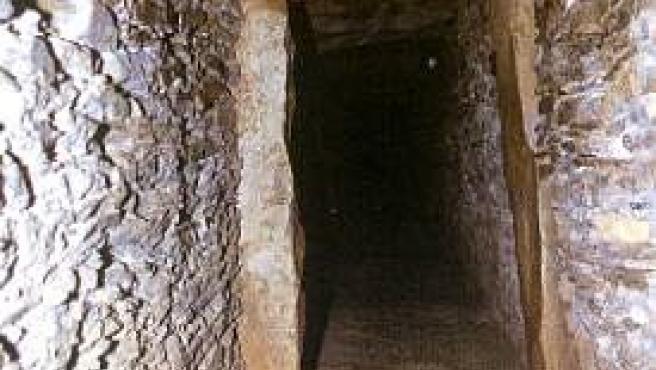 Corredor del dolmen de La Pastora en Valencina (Sevilla)
