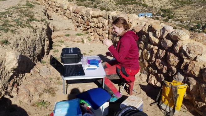 Encuentran bacterias viviendo de gases de efecto invernadero en cuevas extremas