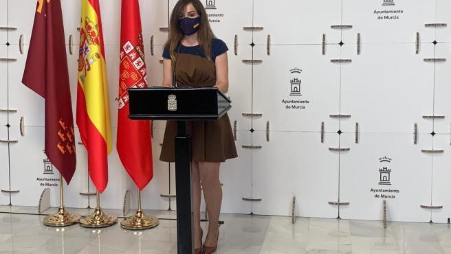 La portavoz del Alyuntamiento de Murcia, Rebeca Pérez, en rueda de prensa