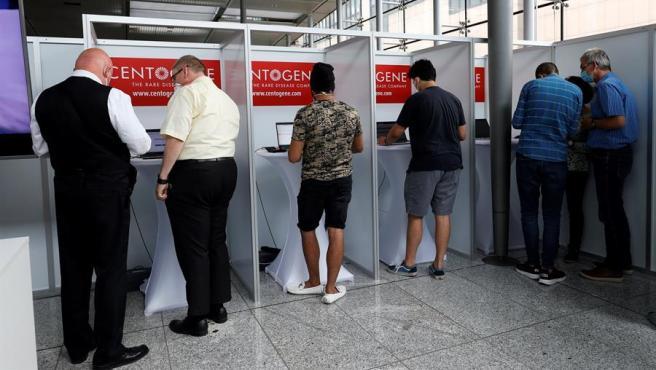 Test de coronavirus en el aeropuerto de Frankfurt.