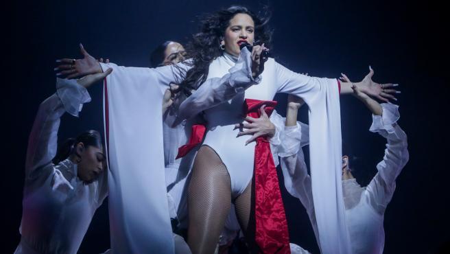 Rosalía durante un concierto en Madrid en diciembre de 2019.