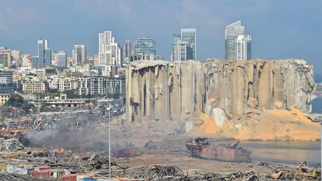 Vista del puerto destruido después de la explosión en Beirut (Líbano), este miércoles 5 de agosto de 2020.