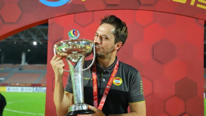 El entrenador español del Al Ahed de Beirut, tras ganar la AFC Cup.
