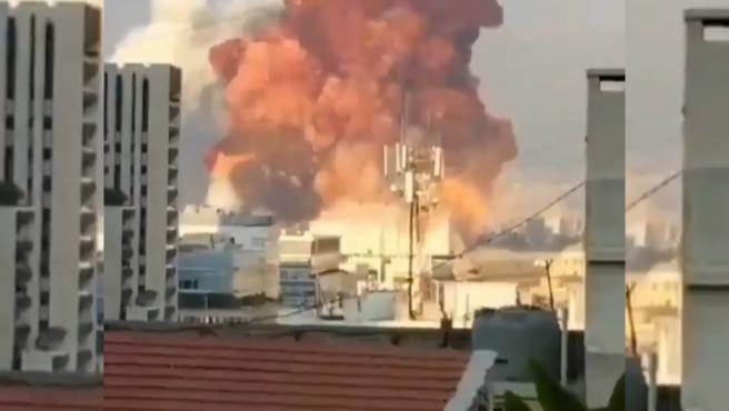 Más de cien muertos y unos 4.000 heridos por las explosiones en el puerto de Beirut