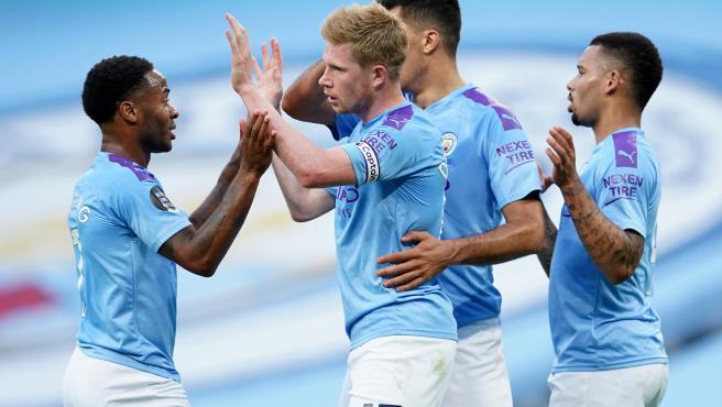 Los jugadores del Manchester City celebran un gol de Kevin de Bruyne