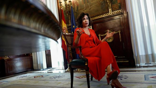 La ministra de Hacienda, María Jesús Montero, durante una entrevista con EFE