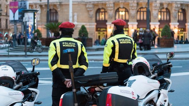Bilbao 06-03-2017 Reportaje Area de Seguridad Ayuntamiento de Bilbao. Policía Municipal de Bilbao Udaltzaingoa controlando el tráfico durante una manifestación ©MITXI