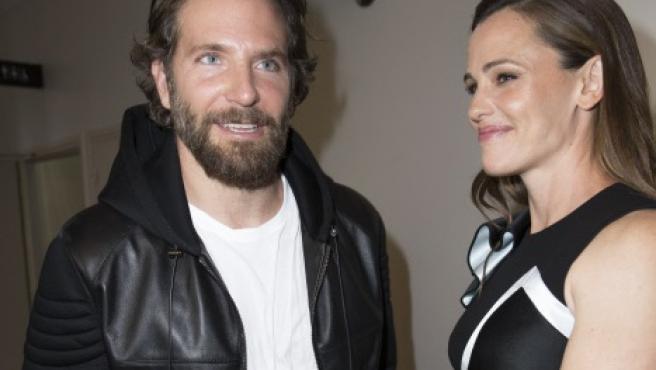 Bradley Cooper y Jennifer Garner, juntos en París, en una foto de 2006.