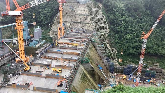 La presa construida por robots en Japón tendrá 84 metros de altura y 334 de ancho