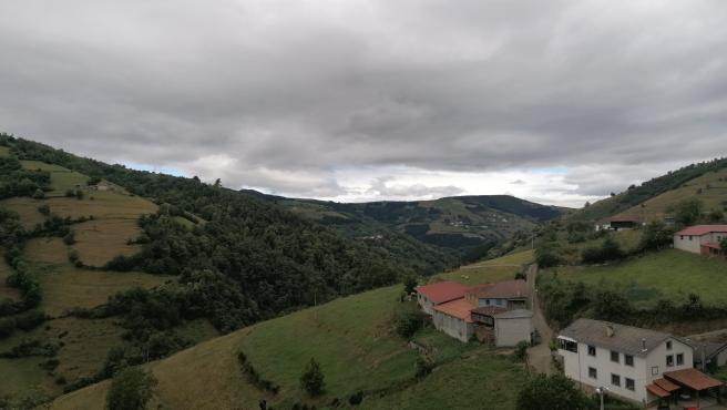 Cangas del Narcea. Zona rural. Montes. Turismo Rural. Concentración parcelaria.