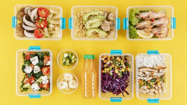 Preparar comida para toda la semana es una de las opciones para comer (bien) de táper.