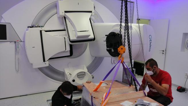 Acelerador lineal donado por Fundación Ortega para el Hospital Universitario