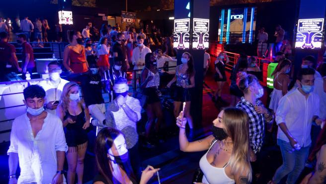 Una fiesta en una discoteca de Roma este sábado.