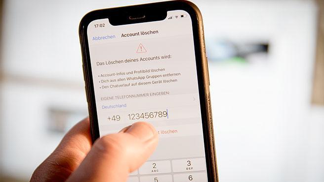 Los ciberdelincuentes suplantan a terceros para conseguir el código de verificación de tu cuenta de WhatsApp