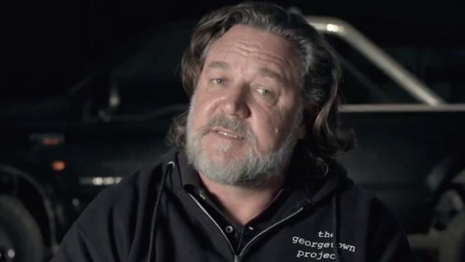 """""""No os estoy vacilando, esta película va a estrenarse en cines"""": Russell Crowe presenta el tráiler de 'Unhinged'"""