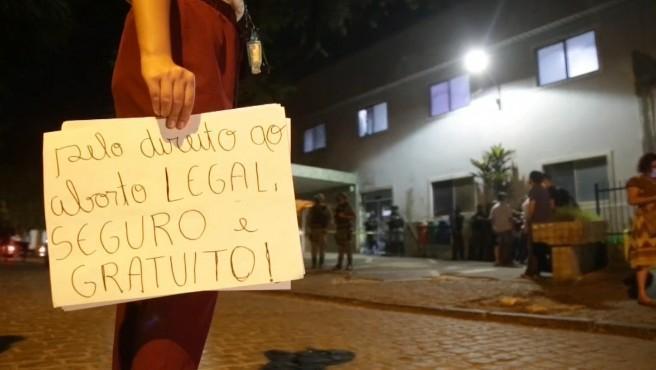 La Justicia de Brasil autoriza el aborto en una niña de 10 años que fue violada por un familiar y reactiva el debate en el país.