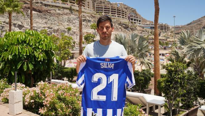 El atacante canario, con la camiseta de la Real Sociedad.