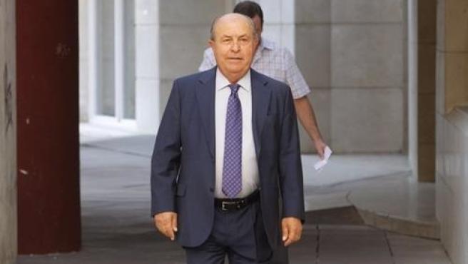 El exalcalde de Granada José Torres Hurtado llegando a los juzgados de la Caleta en una imagen de archivo