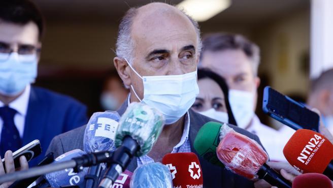 Imagen de recurso del viceconsejero de Salud Pública y Plan Covid-19 de la Comunidad de Madrid, Antonio Zapatero, visita el dispositivo para la realización de pruebas PCR a vecinos de Alcobendas de entre 15 y 49 años, a 21 de agosto de 2020.