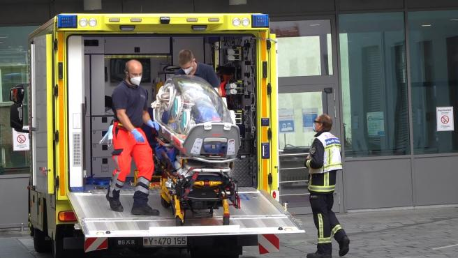 Navalni llega al hospital en Berlín, en estado crítico pero estabilizado