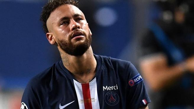 Neymar, entre lágrimas tras perder la final.