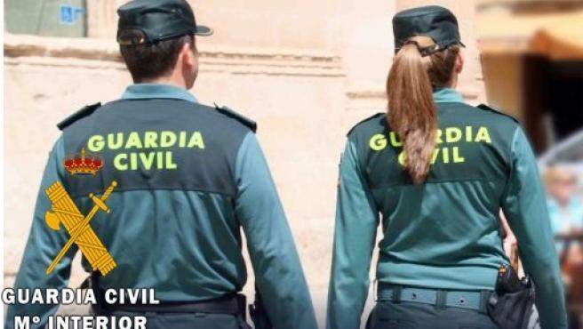 La Guardia Civil localiza a un hombre del que sus familiares no sabían nada desde hace 10 años Agentes-de-la-guardia-civil