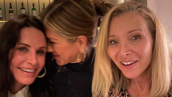 Reunión de 'Friends': La noche de chicas de Jennifer Aniston, Courteney Cox y Lisa Kudrow