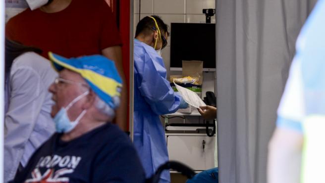 Dispositivo para la realización de pruebas PCR de coronavirus a vecinos de Alcobendas de entre 15 y 49 años, a 21 de agosto de 2020.