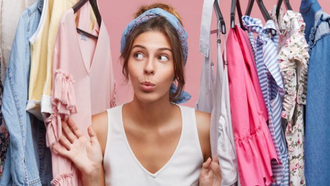 Esta herramienta ayuda a darle un lavado de cara a a ropa vieja.