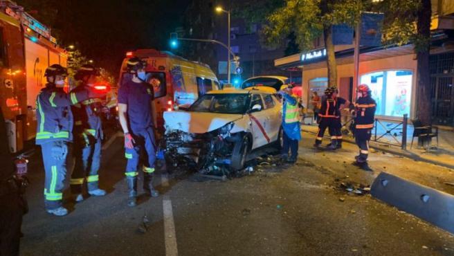 Así quedó el taxi tras el atropello múltiple en Bravo Murillo.
