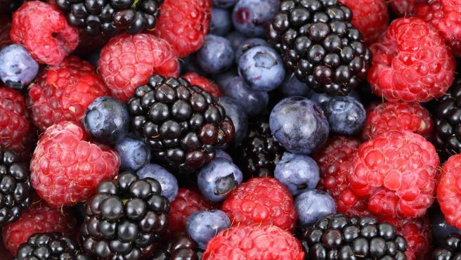 Los arándanos y los frutos del bosque están cargados de antioxidantes, por lo que es mucho más sano comerlos crudos. La cocción disminuye sus beneficios.